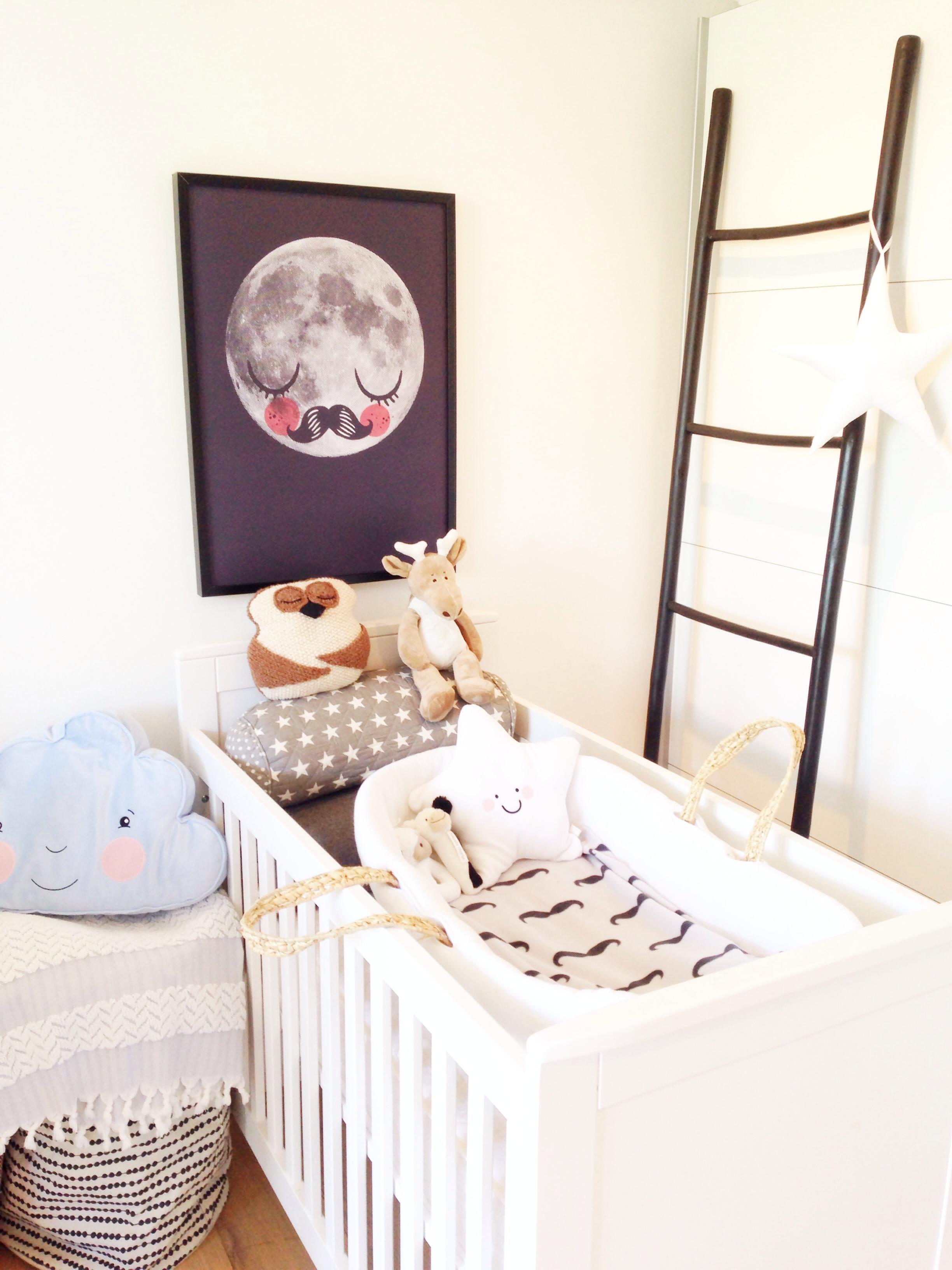 babykamer mozes wieg