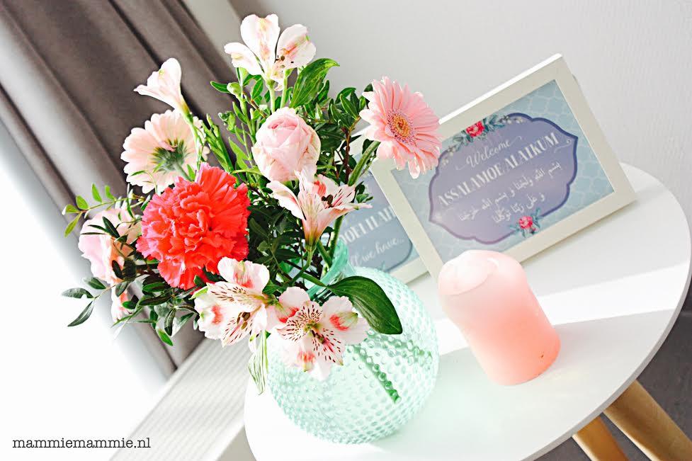 roze boeket met anjers en rozen