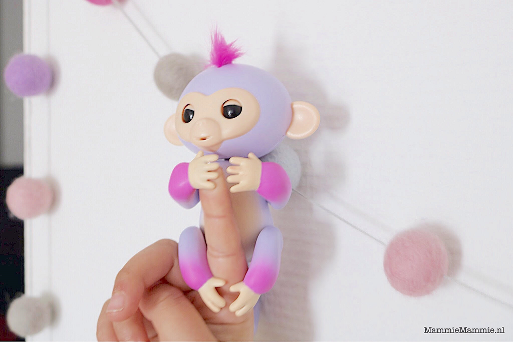tweekleurige fingerlings aapje