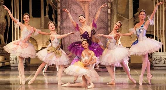 """<span class=""""entry-title-primary"""">Theater Carré 