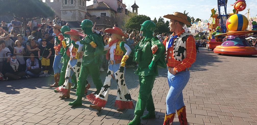 parade disneyland toystory