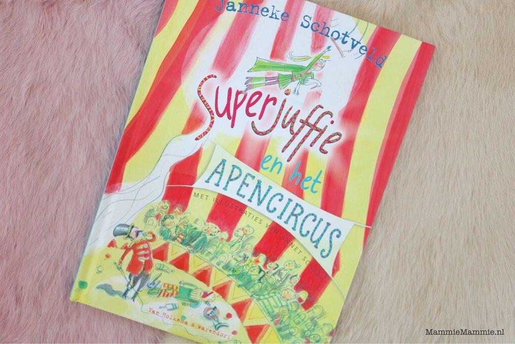 review superjuffie en de circus directeur