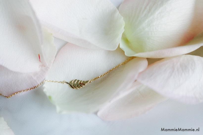 delicate gouden armband